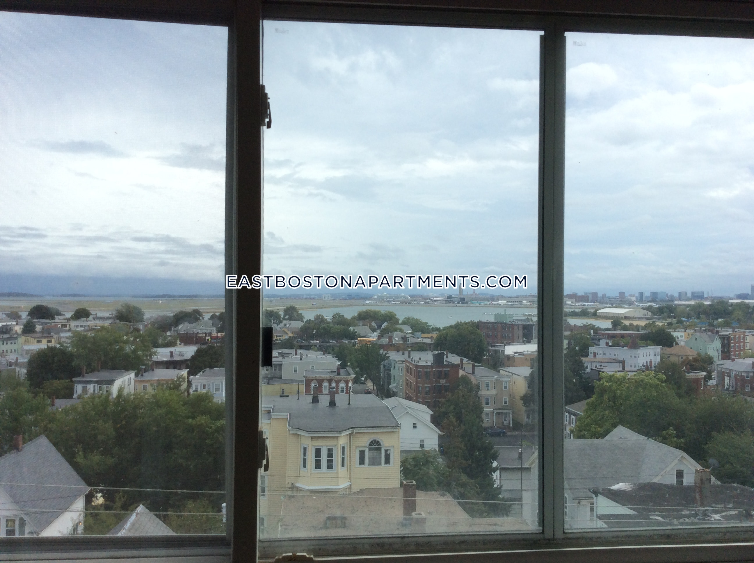 Newly renovated 4 bedrooms 1 bathroom in East Boston $2,700 - Boston - East Boston - Orient Heights $2,700