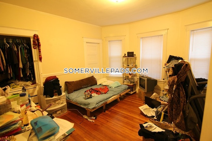 Awe Inspiring Somerville Apartment For Rent 4 Bedrooms 1 Bath Spring Hill 3 400 Interior Design Ideas Grebswwsoteloinfo