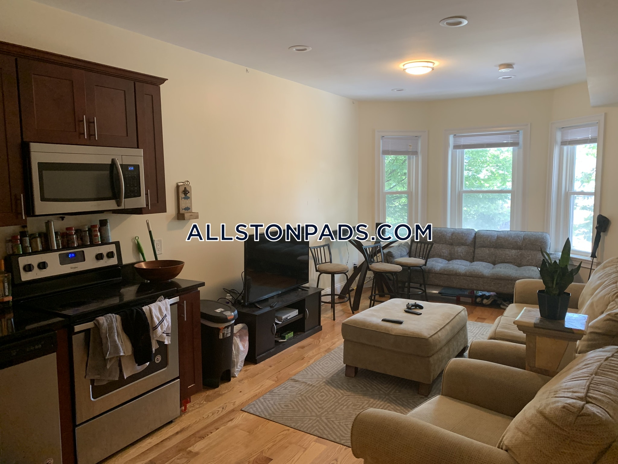 Peachy Allston Apartment For Rent 3 Bedrooms 2 Baths Boston 3 750 Beutiful Home Inspiration Ommitmahrainfo